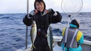 生田さん(息子さん)のアジとハマチダブルヒット